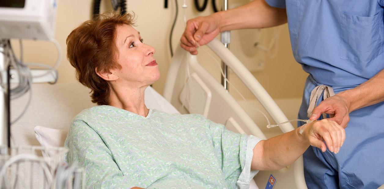 Colonoscopia, una prueba preventiva frecuente en personas maduras
